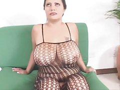 una mamma nuda